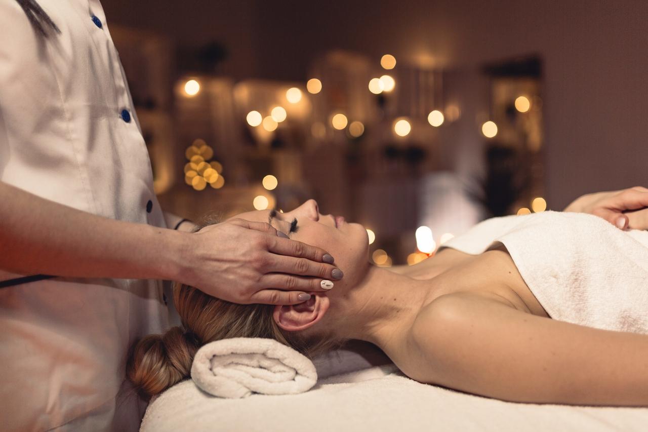 Massagem Facial (Rosto e Cabeça)